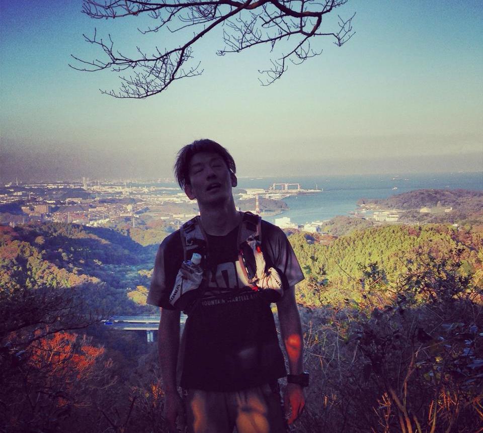 横須賀バックに乳頭山山頂。疲れました。