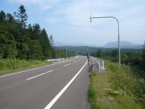 しばらくロードを走ってモアン山を目指します ロードも素晴らしい