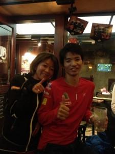 小野さんと!!ゴール後の写真を一緒に撮ってもらいましたが、私が顔がパンパンだったので、撮り直しをお願いしました。